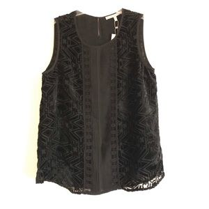 5/$25 Daniel Rainn Black embroidered blouse